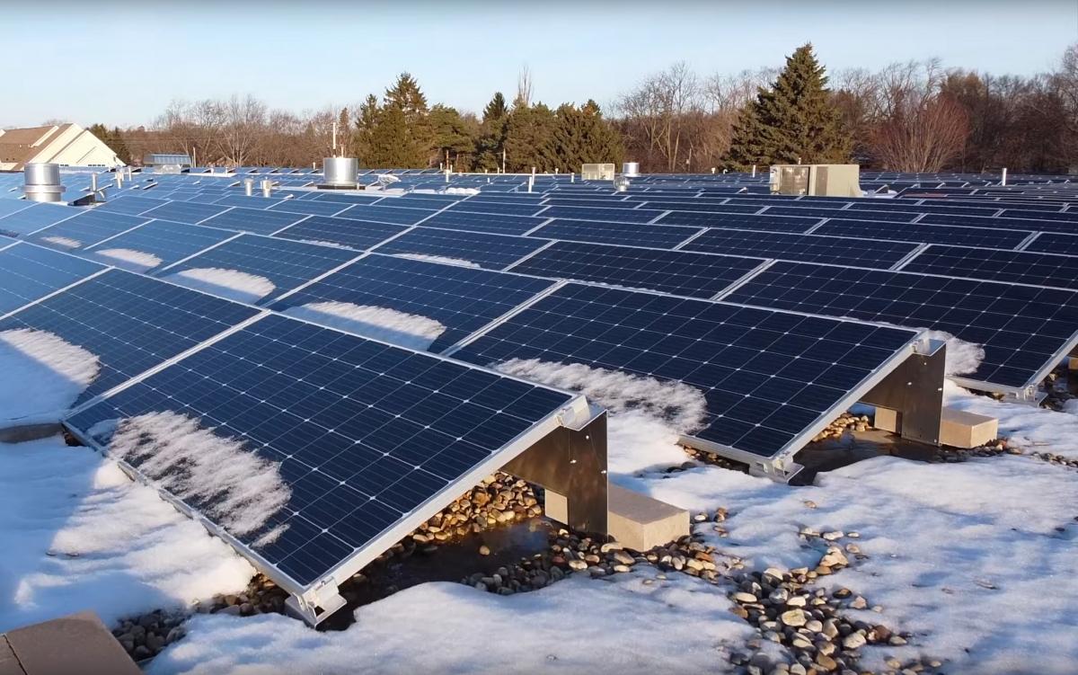 rooftop-solar-power-makes-Ampco-Pumps-greener